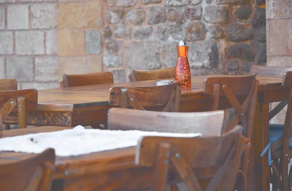 Características de las mesas de comedor de madera de cedro