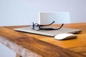 Mesa de cedro | Características, modelos y ventajas