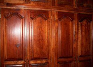 Puertas de cedro | Tipos, ventajas y mejores modelos